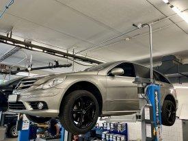 Mercedes Benz R320 4Matic 3.0, 165kW