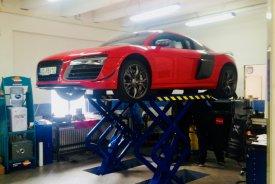 Audi R8V10,