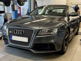 Audi RS5 4.2,331,2011,8HP
