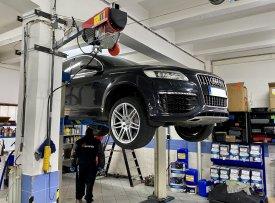 Audi Q7 6.0 V12